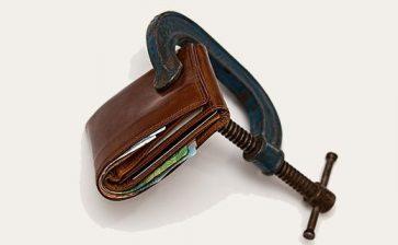 Canadian households borrowing less: StatsCan