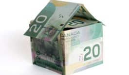 Canadian gender income gap narrows
