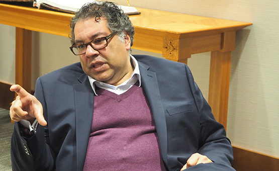 Cutting red tape is like pruning ivy – Nenshi says it grows back