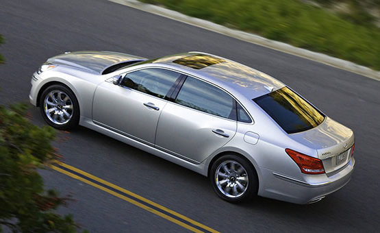 Buying used: Hyundai Equus 2011 is loaded, with a few flaws