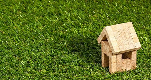 Calgary, Edmonton home prices fall; national average rises