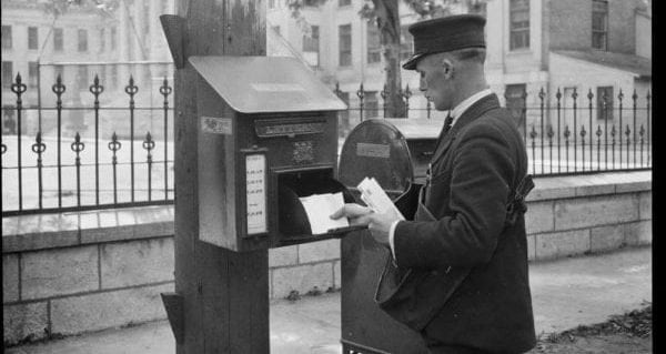 Deliver Canada Post from its old-fashioned business model