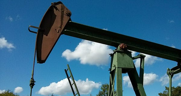 Alberta economy to take a hit from oil production reduction