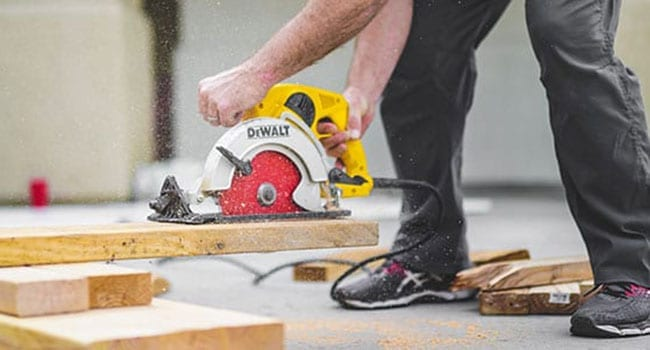 home construction, carpenter