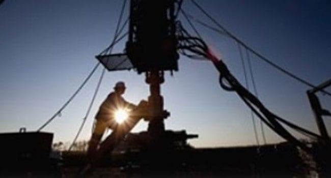 Glut, pandemic keep world oil market on edge
