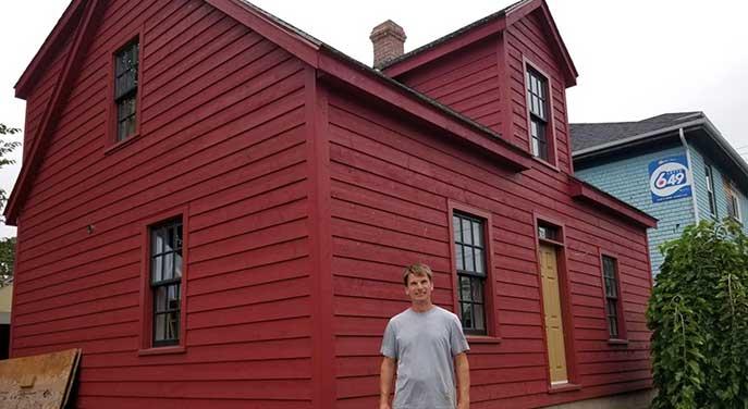 historic log house built in 1844
